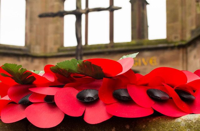 20141016-07_Remembrance Poppies + Cross of Reconciliation - Coventry Old Cathedral