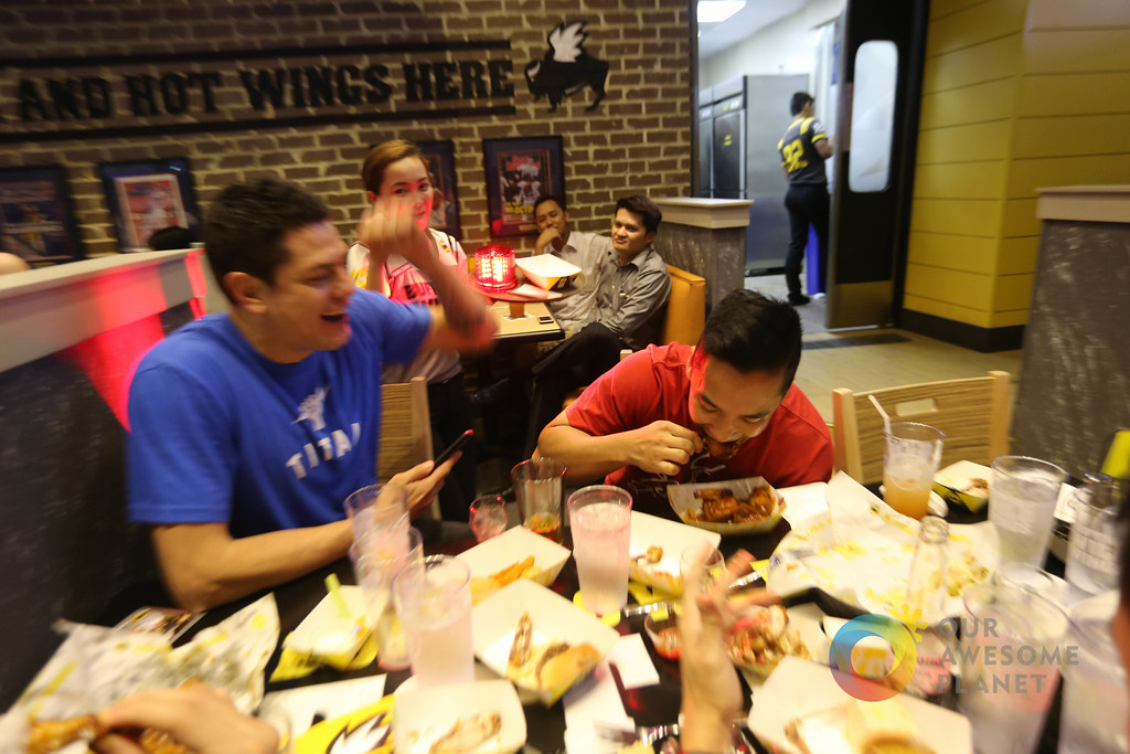 Buffalo Wild Wings Opening-46.jpg