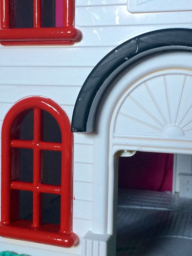 Upcycled dollhouse http://EvinOK.com