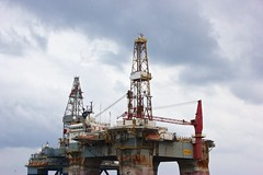 petroleum, drilling rig, jackup rig, offshore drilling, construction equipment, semi-submersible, oil rig,