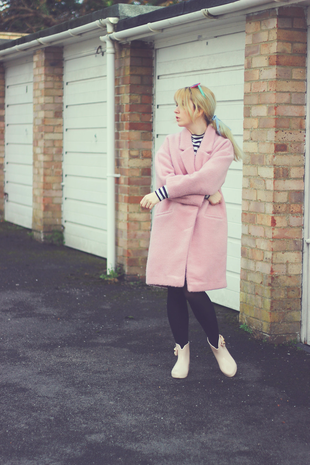2-pink-coat, blogger-style, pastel-hair, bow-wellies