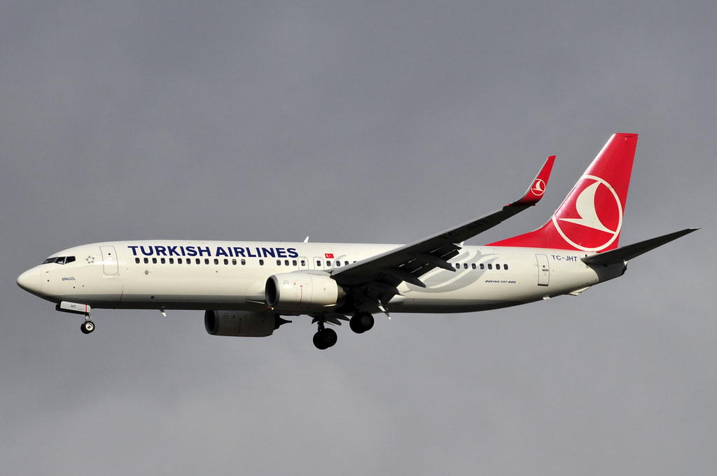 TC-JHT - B738 - Turkish Airlines