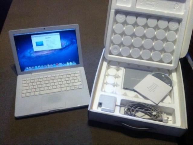[VENDIDO] Macbook Blanco mediados 2008 16127556921_a30c9985c4_z