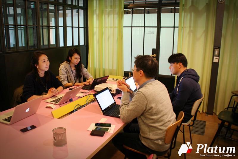 [스타트업, 내 손을 잡아봐 #1] '보물같은 스타트업의 성장 도울 것' 네이버 앱스토어 홍창선 부장-황순호 차장 - 'Startup's Story Platform'