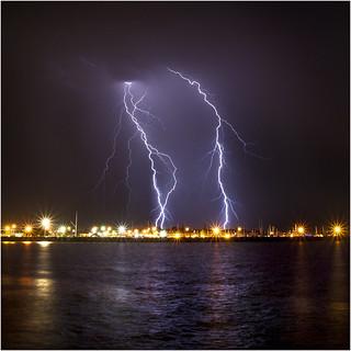 Massive double Fremantle CG lightning