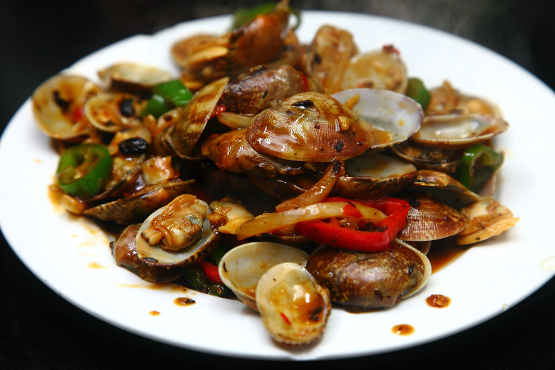 Spicy-Bean-Paste-Clams