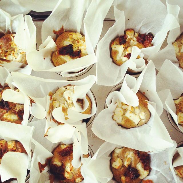 muffins rústicos salados #tomatessecos #quesofeta #alcaparras