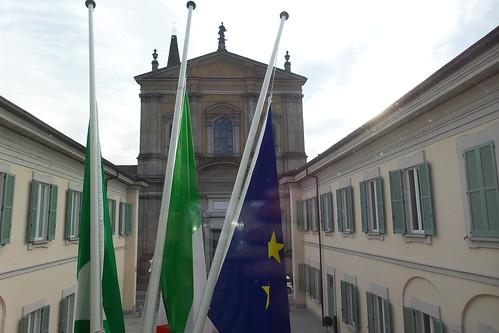 Bandiere a mezz'asta, Cassano d'Adda