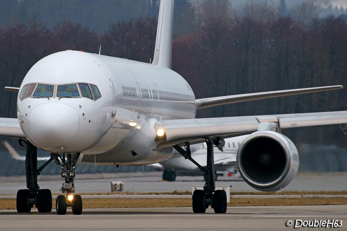 Aéroport de Chambéry Savoie [LFLB-CMF] 16362403278_9338e171d4_o