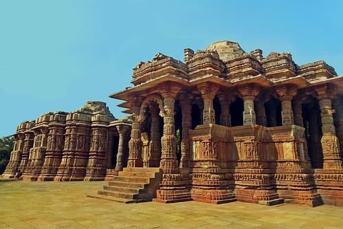 sun india architecture religious temple worship shine religion structure sacred hindu gujarat ahmedabad gujrat suntemple modhera lopamudra lopamudrabarman