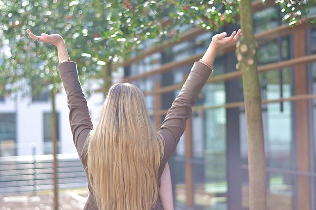Eugli Outfit Hurra, die Sonne ist da Fashionblogger OOTD LOTD Frühlingsoutfit Frühling (12)