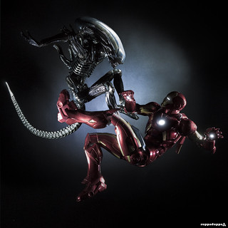 The Xenomorph and The Metal Man