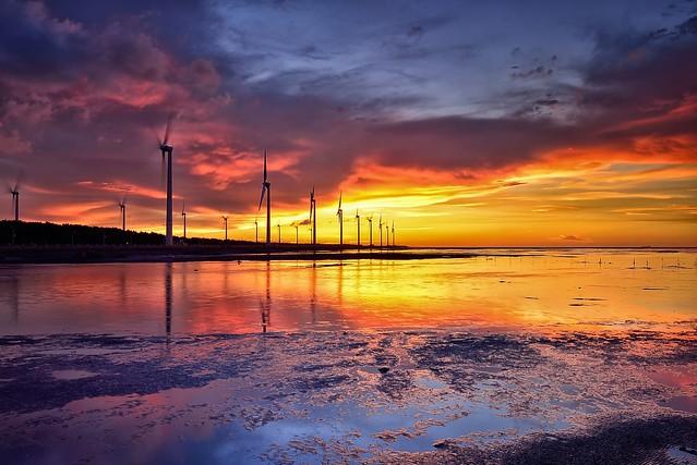 Sunset at Kaomei wetland 高美夕照