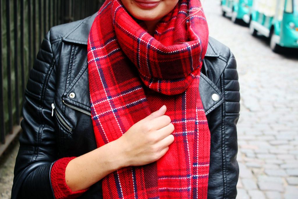 tartan-red-H&M-scarf