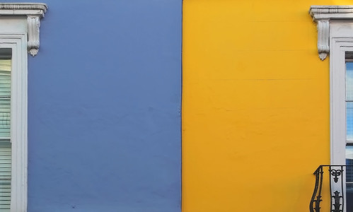 blue england color colour london window strange yellow see colorful artist view cyan portobelloroad