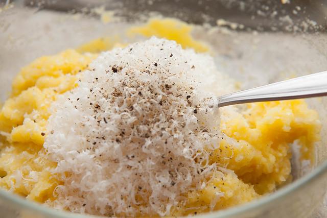 ravioli di patate in brodo di parmigiano-2