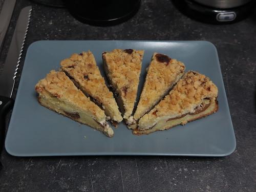 Quark-Pflaumen-Kuchen mit Streuseln