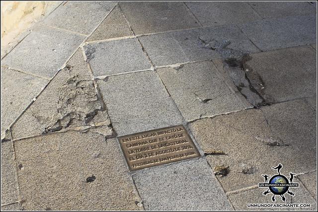 Detalle, plaza de la Catedral de El Burgo de Osma (Soria)