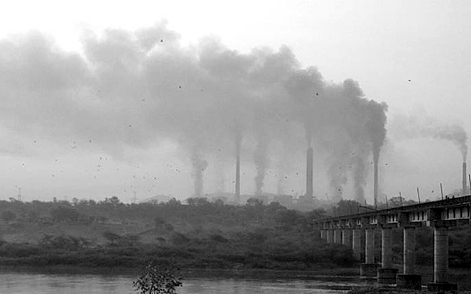 खतरनाक स्तर पर वायु प्रदूषण