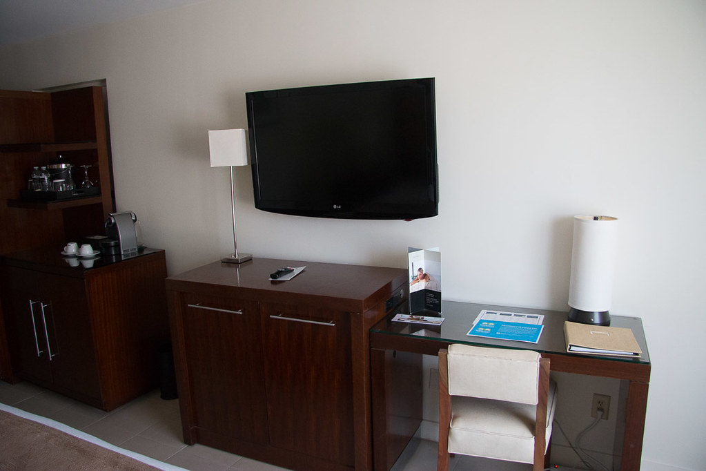 TV and desk in Standard Room at Casa Marina