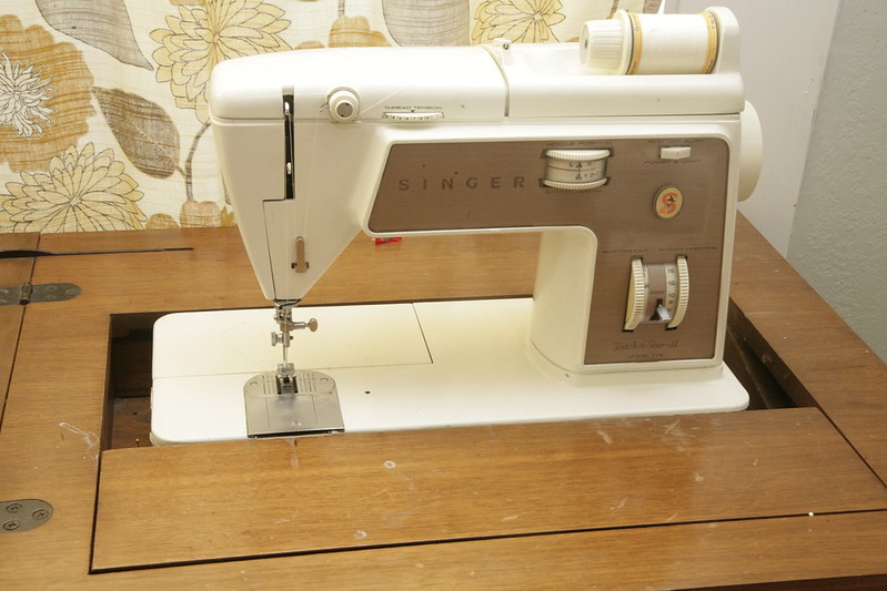 My new old machine - Singer Touch and Sew
