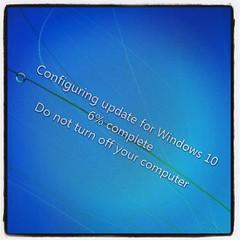 Lika bra att låta den gamla, i princip oanvända, fönsterkärran få prova på något nytt. #Windows10