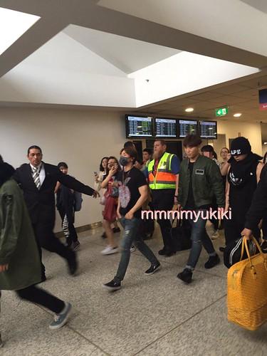 BIGBANG arrival Melbourne 2015-10-20 (21)