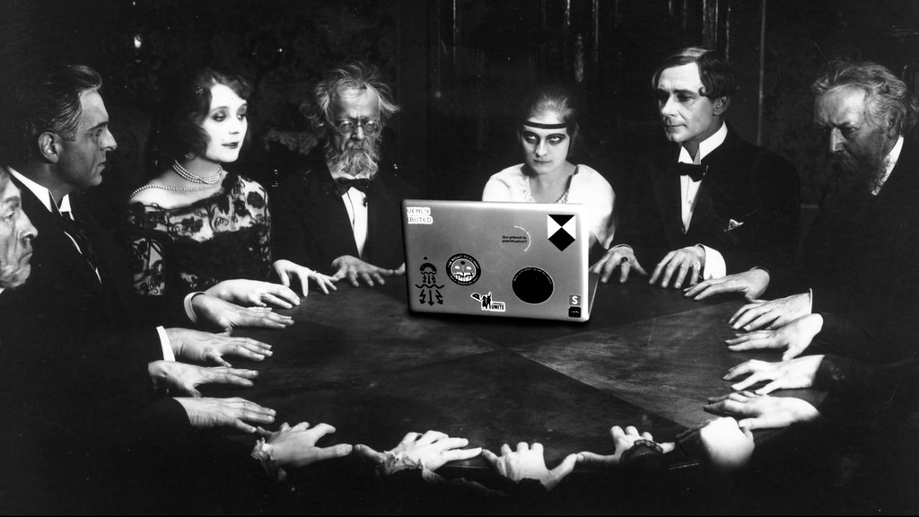 Seance with my laptop.