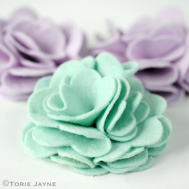 Making more felt flowers