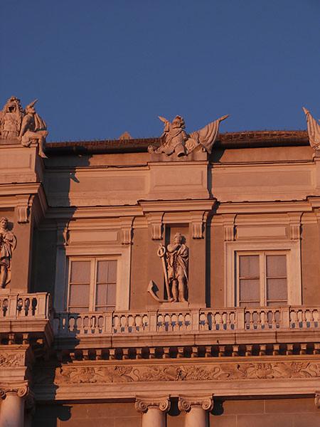 soleil couchant sur le palais ducal