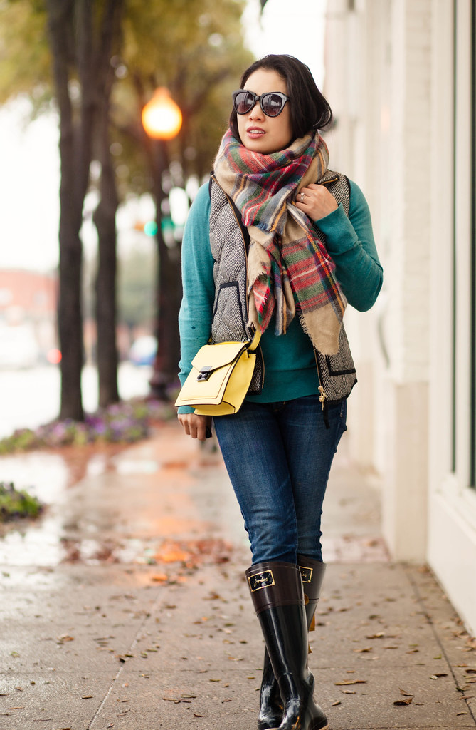cute & little blog   petite fashion   herringbone excursion vest, zara blanket scarf, joules evedon wellies rain boots, yellow crossover bag   winter outfit