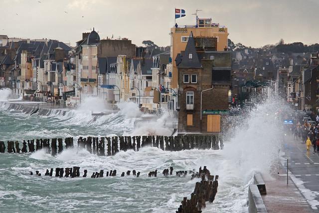 Grande marée à Saint-Malo