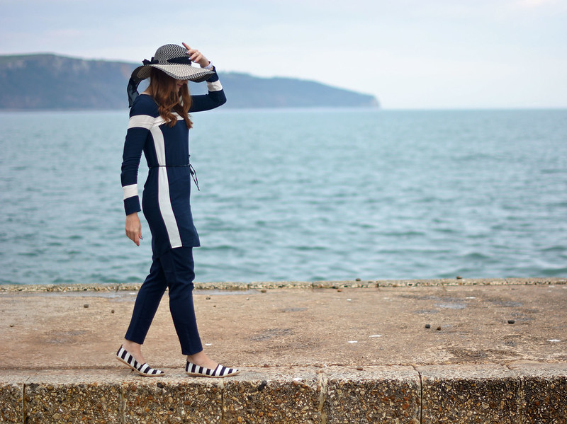 Nautical style: Navy blue and white stripes, floppy hat, espadrilles
