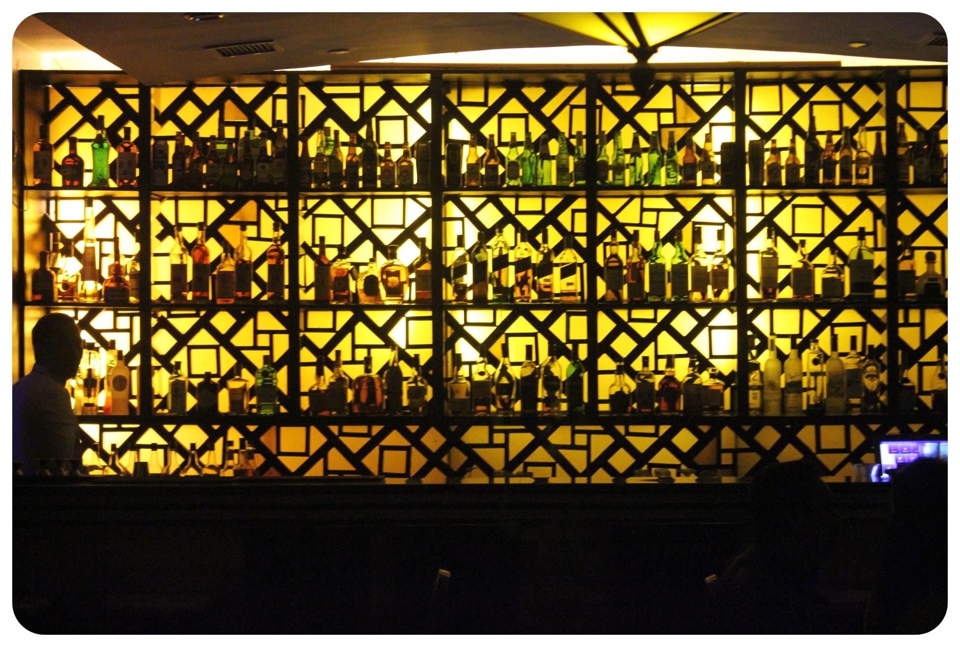 manila speakeasy exit bar