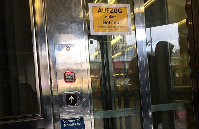 Defekter Aufzug Schottentor