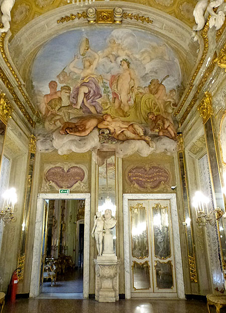 galerie des glaces palazzo reale 2