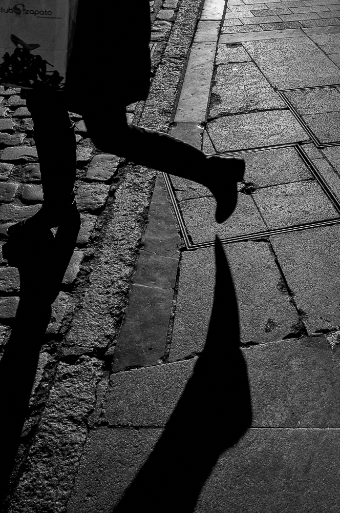 feet-and-shadows