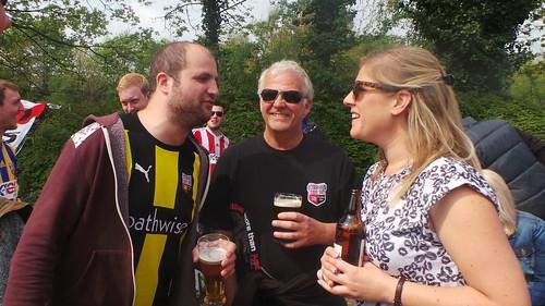 Milton Keynes - Apr 2014 - Candid Family Portrait - Bees Fans - Sam, John & Hannah