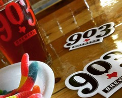 903 Brewers pairing with candy  This is Mythical Creatures IPA with sour gummy worms.  #drinkdfw #drinklocal #craftbeer #beer #ilovebeer #beerlove #texasbeer @903Brewers #ipa