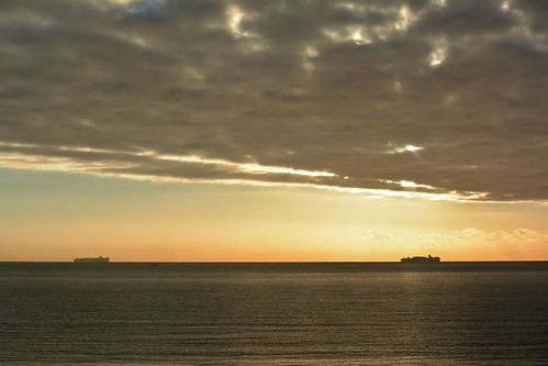 winter light sea orange cloud sun water silhouette ship low transport container isleofwight containership shipping sandownbay theenglishchannel nikond5200 sunrisemorningcontainer