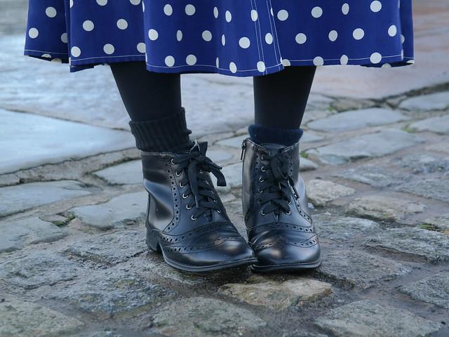Liverpool fashion blogger | chunky knit and polkadot maxi skirt