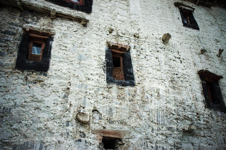 Стены монастыря Дискит. Долина Нубра, Ладакх © Kartzon Dream - авторские путешествия, авторские туры в Индию, тревел фото, тревел видео, фототуры