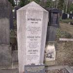 Auf dem Neuen Jüdischen Friedhof in Prag