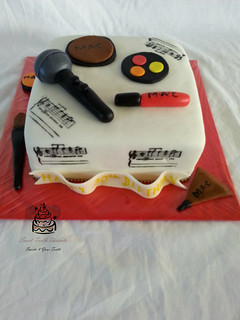 Makeup and Music 30thBirthday Cake