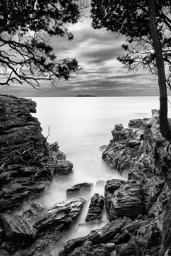 ocean longexposure island blackwhite rocks mayor fineart mountmaunganui bayofplentynz leebigstopper olympusomdem10