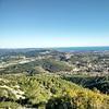 Desde el Pic de l'Àliga #canyelles Se ve la serra de Tramuntana en Mallorca aunque con la cámara del móvil casi no se aprecia
