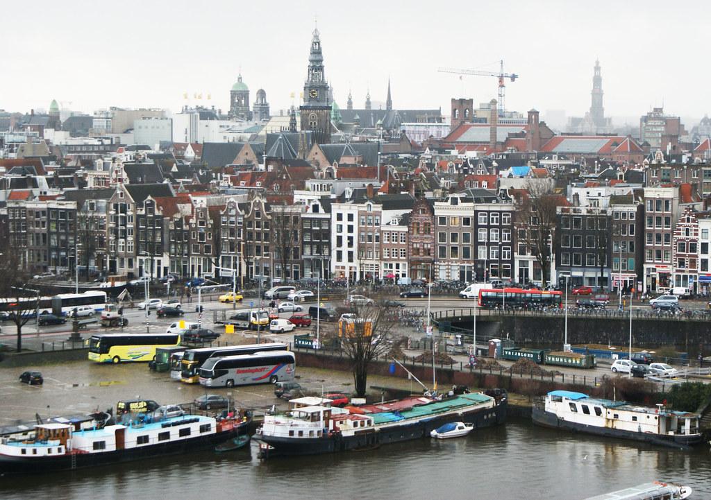 Vue depuis la bibliothèque municipale d'Amsterdam.