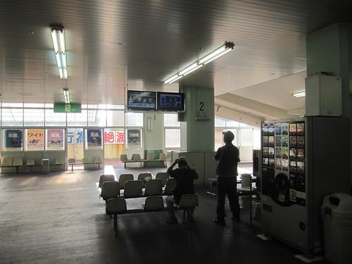姫路競馬場スタンド1階奥
