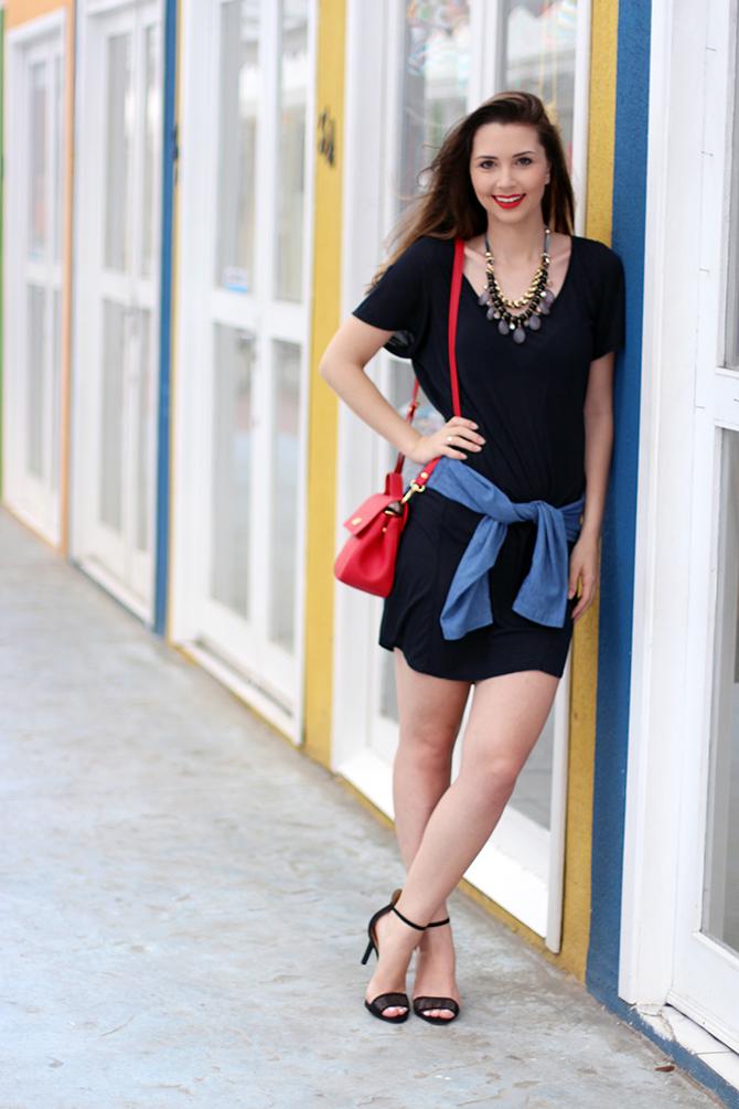 08-vestido-preto-com-camisa-jeans-amarrada-sempre-glamour