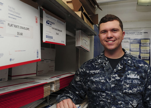 Boxer Sailor Earns Navy Achievement Medal for Rendering Assistance to Motorist